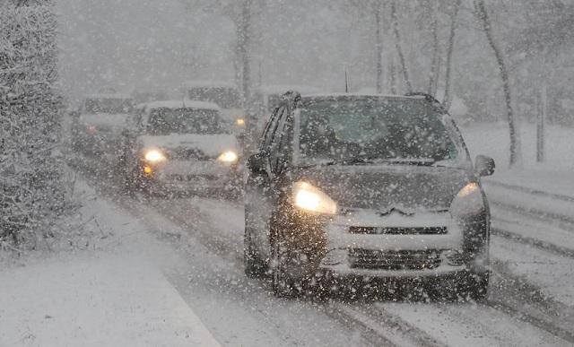 Η οδήγηση τον χειμώνα απαιτεί σύνεση και δεξιότητες