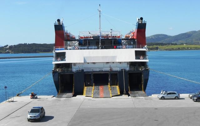 Δεμένα τα πλοία στο Λιμάνι του Βόλου