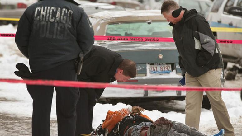 Οι φόνοι στο Σικάγο ξεπέρασαν τους 700 μετά περίπου 20 χρόνια