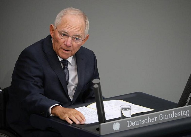 Ναι Σόιμπλε σε βραχυπρόσθεσμα μέτρα για την ελάφρυνση του ελληνικού χρέους