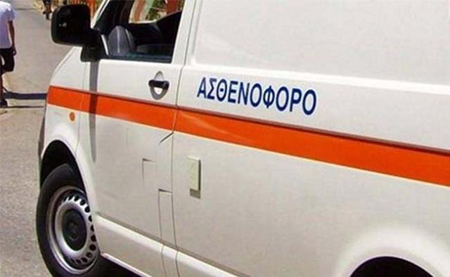 Σύγκρουση ΙΧ με ασθενοφόρο που μετέφερε ασθενή έξω από τη Λάρισα