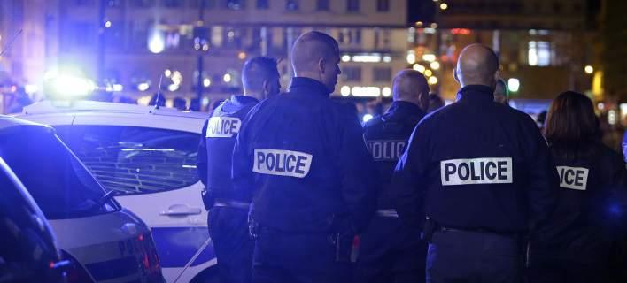 Θρίλερ στο Παρίσι: Ληστής κρατά 7 ομήρους σε ταξιδιωτικό πρακτορείο