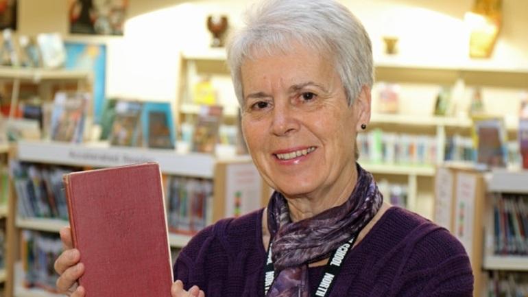Αγγλία: Συνταξιούχος επέστρεψε στο σχολείο της βιβλίο που είχε δανειστεί πριν από... 63 χρόνια!