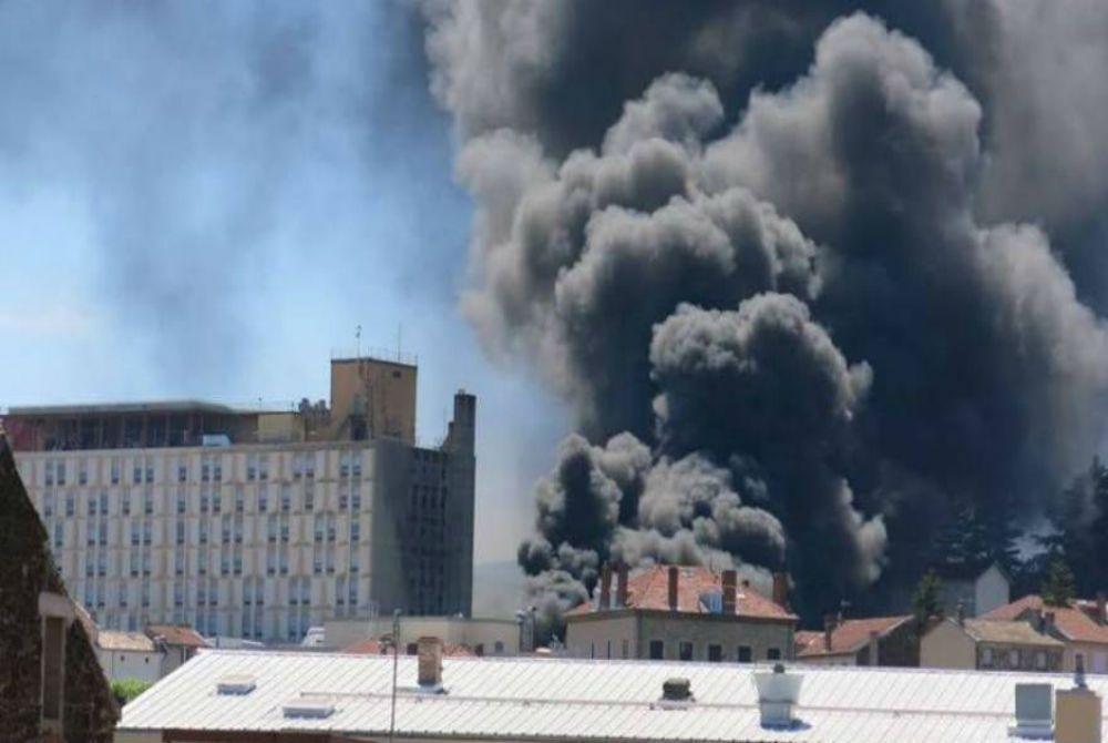 Ασθενείς και προσωπικό βίωσαν τον τρόμο μετά από φωτιά σε νοσοκομείο