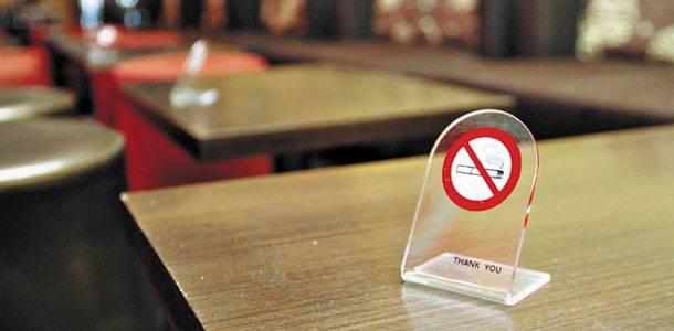 Καταστηματάρχες στους... καπνούς