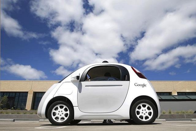 Tεχνολογία αυτόνομων οχημάτων αναπτύσσει η Google