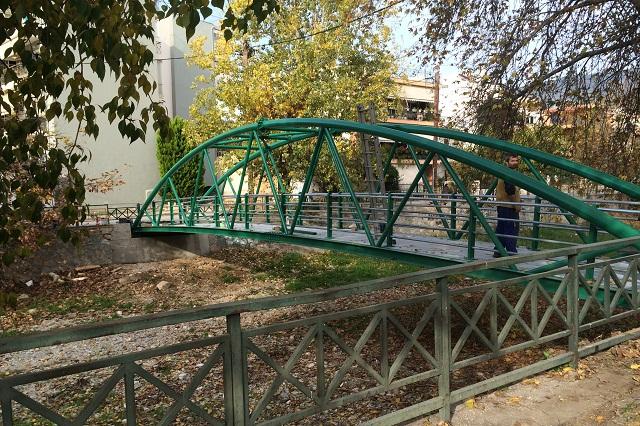 Νέα σιδερένια γέφυρα στην Αγία Παρασκευή
