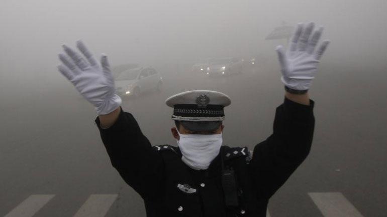 Aτμοσφαιρική ρύπανση πνίγει την Κίνα