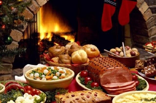 Γιατρός εξηγεί πώς να φάτε στις γιορτές για να μην πάρετε κιλά