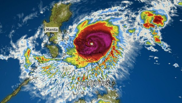 Φιλιππίνες: Χιλιάδες εγκαταλείπουν τις εστίες τους λόγω ισχυρού τυφώνα
