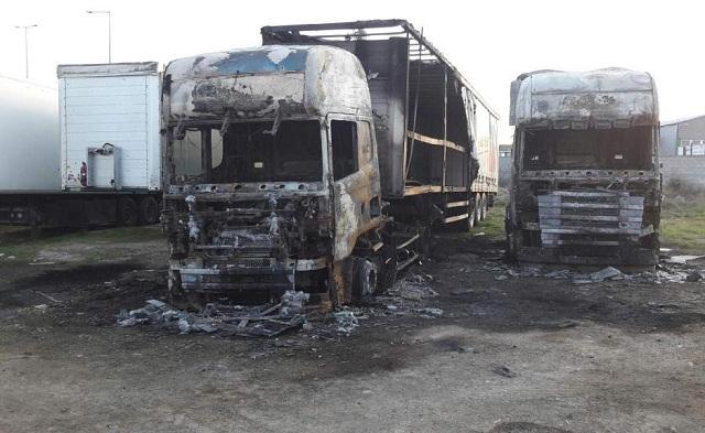 Εμπρησμός, η καταστροφική πυρκαγιά σε επιχείρηση μεταφορών στο Βόλο