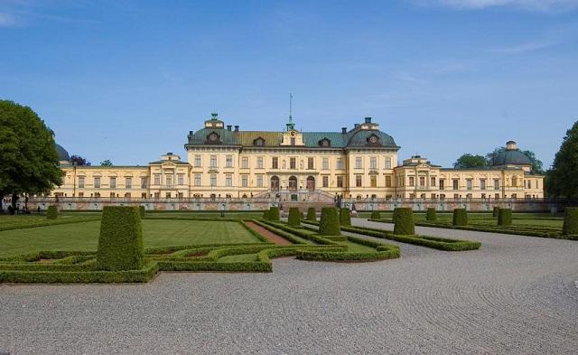 Στοιχειωμένο το βασιλικό παλάτι της Σουηδίας σύμφωνα με τη Βασίλισσα