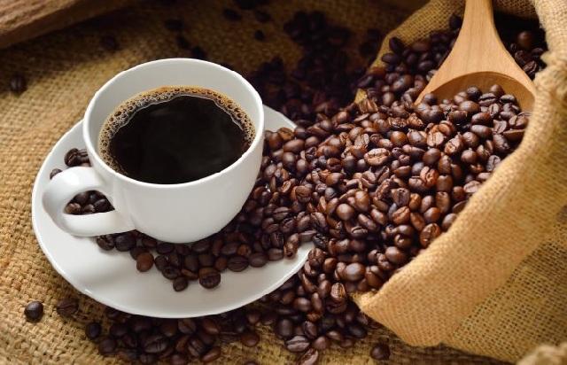 Χαράτσι και στο στοκ του καφέ