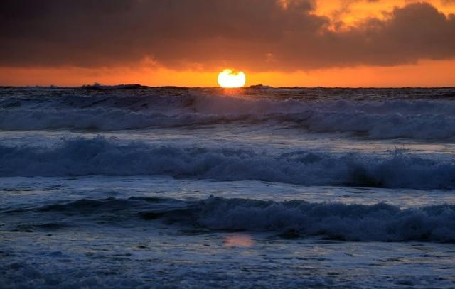 Αδιάκοπα, εδώ και 65 χρόνια, ανεβαίνει η θερμοκρασία των ωκεανών