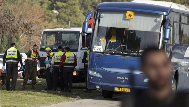 Ιερουσαλήμ: Φορτηγό έπεσε σε πλήθος πεζών, για επίθεση μιλά η αστυνομία