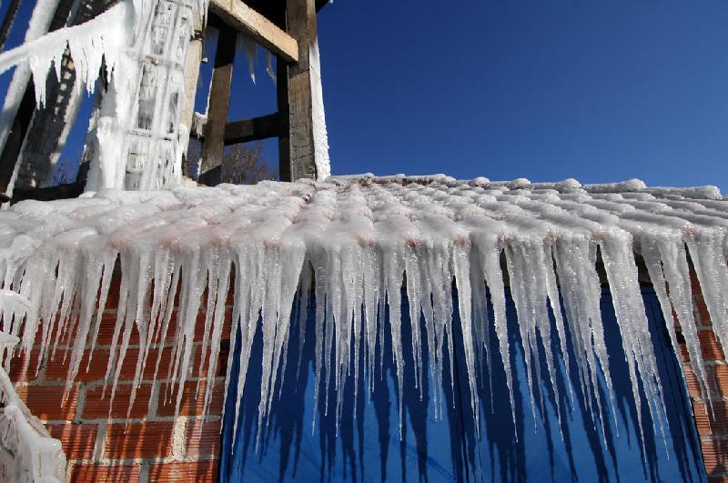Πάγωσε το υδραγωγείο στο Κεφαλόβρυσο Τρικάλων [photos]