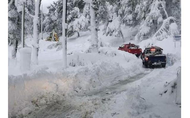 Νέα χιονοθύελλα στην Αλόννησο. Χωρίς ρεύμα όλο το νησί