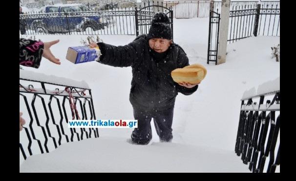 Ο φούρναρης στα Τρίκαλα που έγινε διανομέας για χάρη των πελατών του [vid]