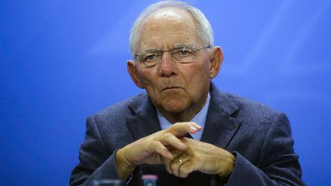 «Βόμβα» Σόιμπλε: Αν φύγει το ΔΝΤ από το πρόγραμμα θα υπάρξουν νέες διαπραγματεύσεις