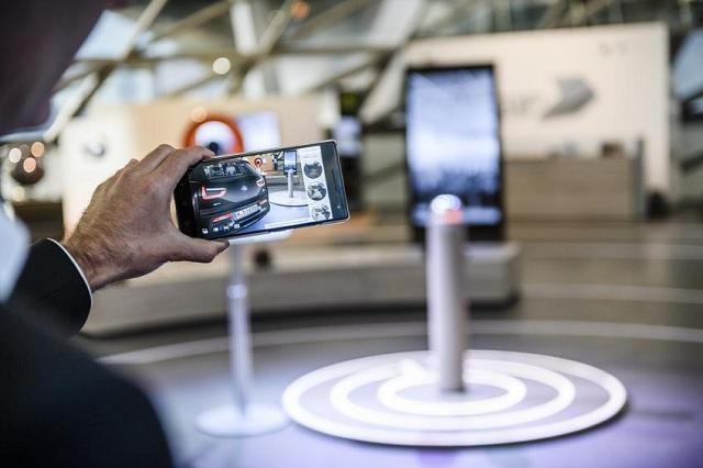 Η BMW i προσφέρει σε πελάτες μία διαδραστική, τρισδιάστατη εμπειρία επαυξημένης πραγματικότητας