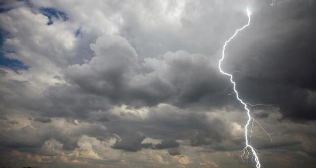 Καταρρακτώδης βροχή στην Αλόννησο