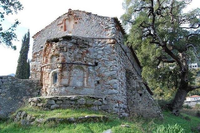 Με κατάρρευση κινδυνεύει σημαντικός βυζαντινός ναός στη Λακωνία