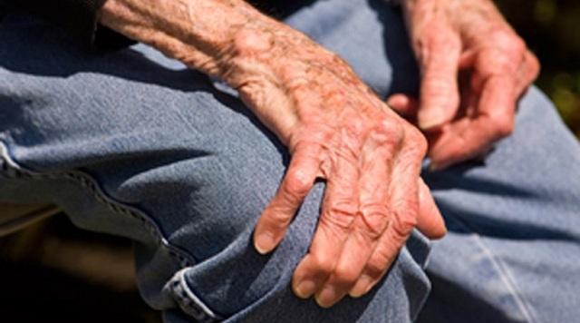 Εκλεψαν 3.450 ευρώ από 79χρονο στο Αργυροπούλι
