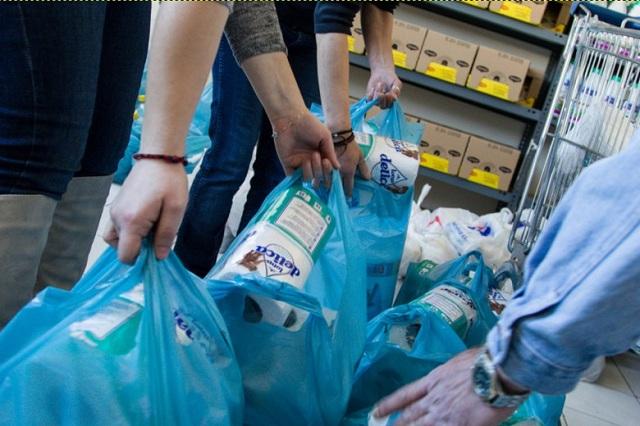 3.200 στο Βόλο περιμένουν τρόφιμα
