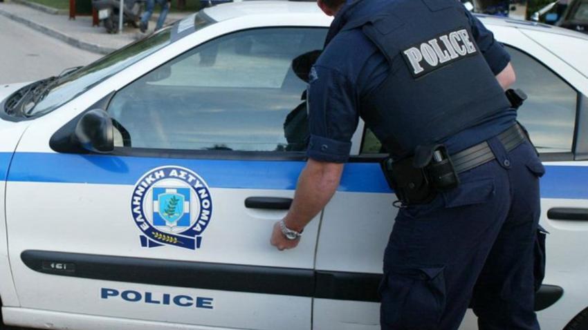 Εισβολή κουκουλοφόρων σε εταιρεία πλακιδίων στον Ασπρόπυργο