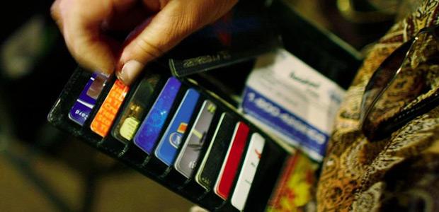 Δωρεάν αγορές για τους πολίτες που πληρώνουν με κάρτες