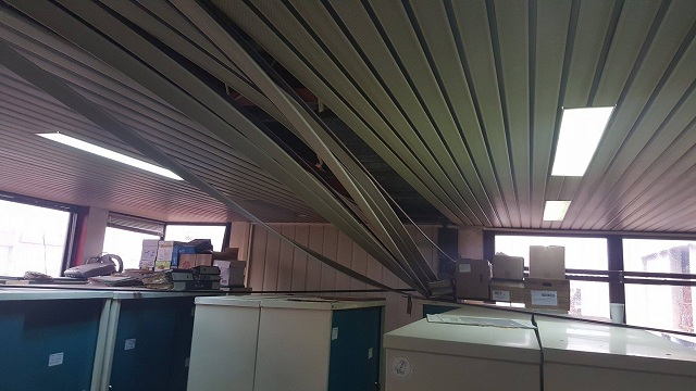 Μεγάλες οι ζημιές στον γυάλινο πύργο του Μουρτζούκου [εικόνες]