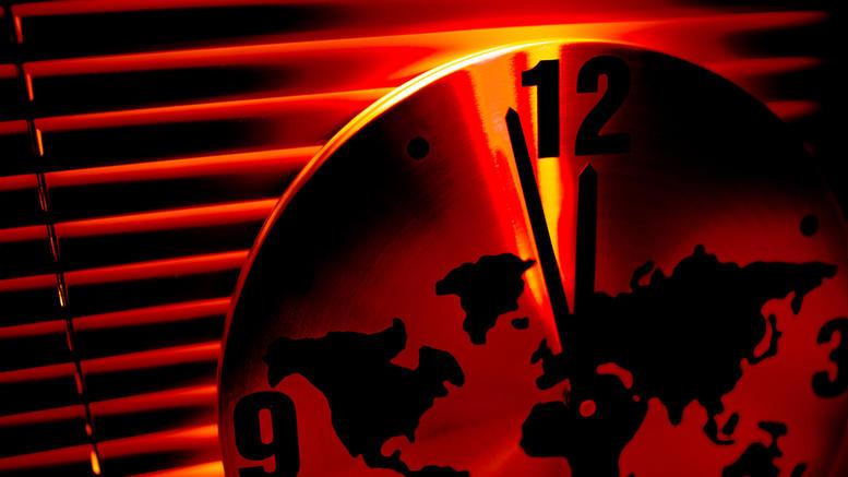 Τι είναι το Ρολόι της Αποκάλυψης που προβλέπει τη συντέλεια;