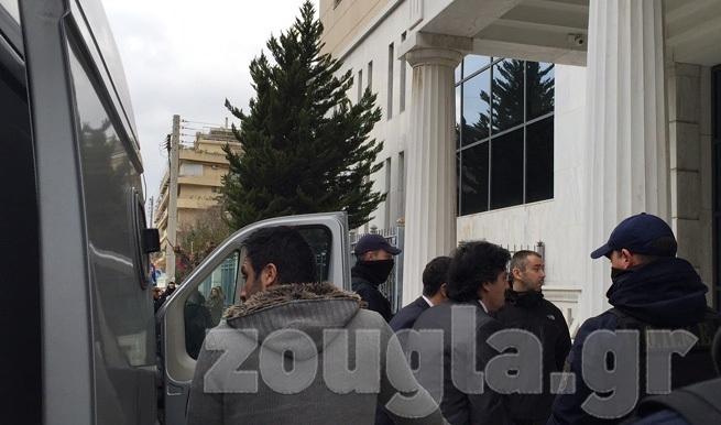 Στο Διοικητικό Πρωτοδικείο οι οκτώ Τούρκοι στρατιωτικοί για το θέμα της κράτησής τους