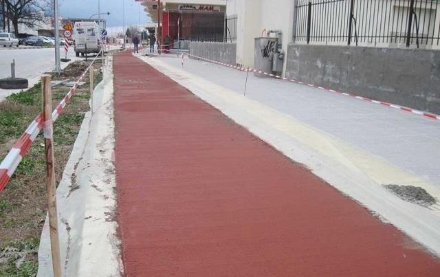 Στα δικαστήρια για τον ...τυφλό ποδηλατόδρομο στα Τρίκαλα