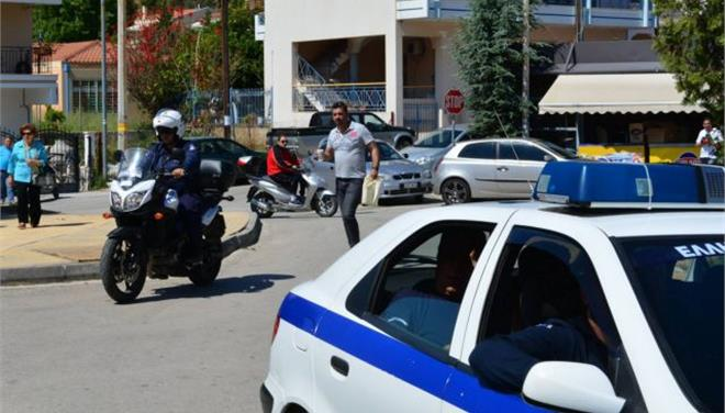 Επιασαν Αλγερινούς να κλέβουν αυτοκίνητα στον Χολαργό