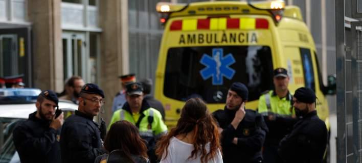 Ισπανία: Ζευγάρι και η 12χρονη κόρη τους σκοτώθηκαν όταν τους καταπλάκωσαν τα ρούχα τους