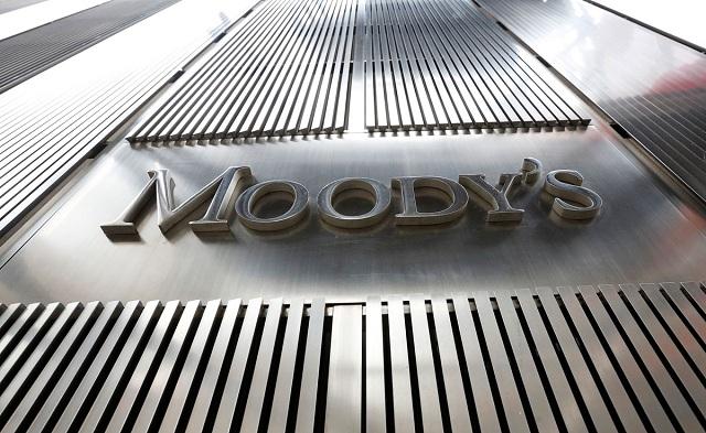Μοοdy's: Σε κίνδυνο οι καταθέσεις από τις καθυστερήσεις στη συμφωνία με τους δανειστές