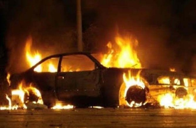 Αυτοκίνητο άρπαξε φωτιά εν κινήσει στο κέντρο της Λάρισας