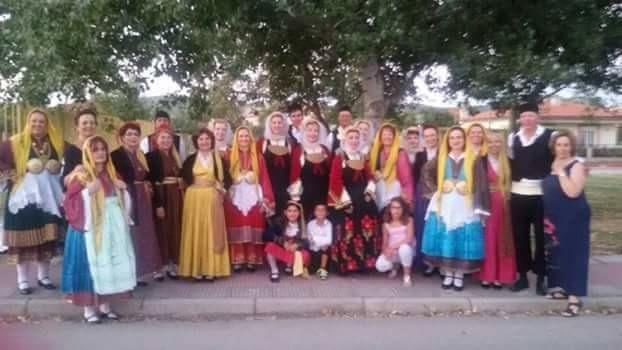 Συνάντηση παραδοσιακών χορωδιών