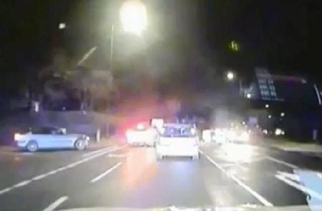 Νεαρός καμικάζι παραβίασε οχτώ κόκκινα φανάρια για να ξεφύγει από την αστυνομία