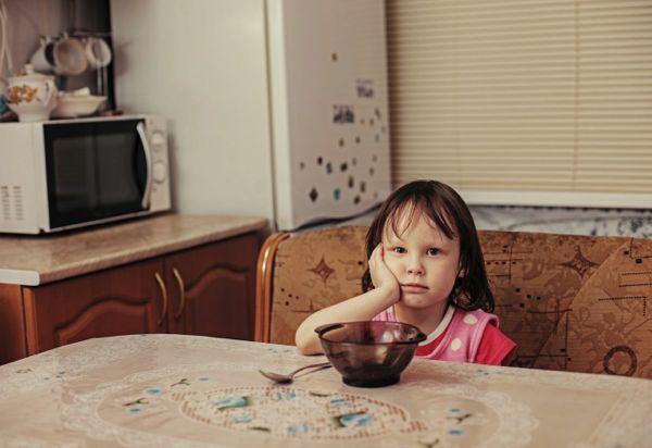 Επισιτιστική ανασφάλεια: Πώς επηρεάζει τα παιδιά;