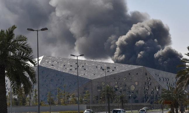 Στις φλόγες τυλίχθηκε η εντυπωσιακή όπερα του Κουβέιτ