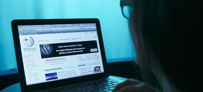Η Wikipedia απαγόρευσε να χρησιμοποιείται η Daily Mail ως πηγή πληροφοριών