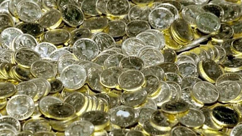 78χρονος έκρυβε στο σπίτι του 3.500 χρυσές λίρες & 400.000€ μετρητά