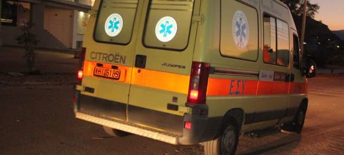 Τρία άτομα στο νοσοκομείο από σοβαρό τροχαίο στην παλιά εθνική Λάρισας- Βόλου