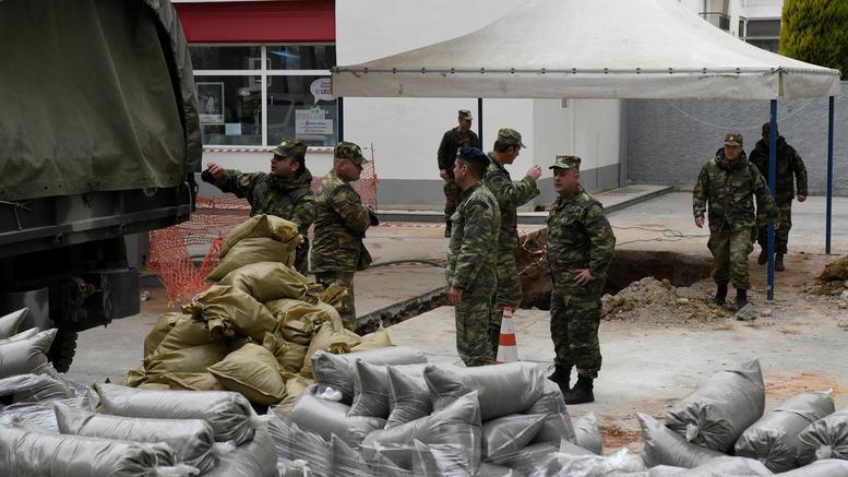 Σκηνές πολέμου στη Θεσσαλονίκη για τη μεγαλύτερη εκκένωση ελληνικού χωριού εν καιρό ειρήνης