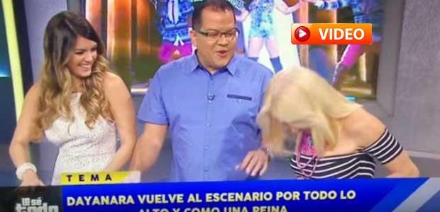 Παρουσιάστρια χάνει το δόντι της στον αέρα εκπομπής