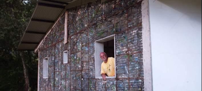 Δροσερά και αντισεισμικά σπίτια από ανακυκλωμένα πλαστικά μπουκάλια [εικόνες]