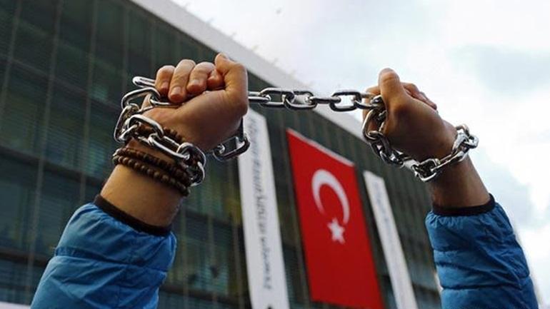 Τουρκία: Φιμώνουν τον Τύπο πριν από το δημοψήφισμα