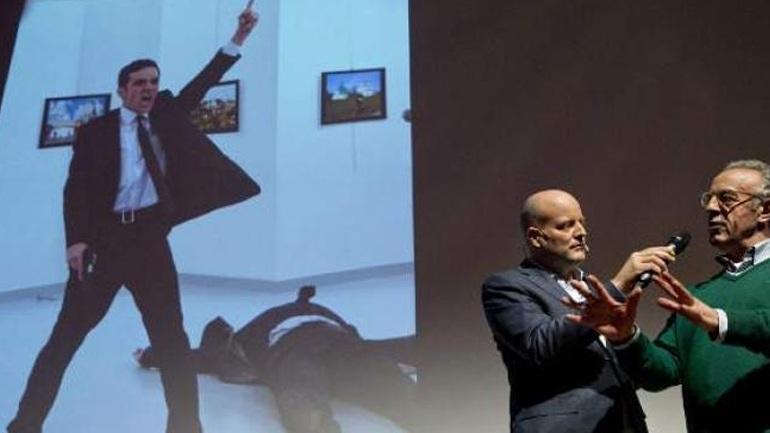 Πρώτο βραβείο σε διαγωνισμό για τη φωτογραφία του δολοφόνου του Ρώσου πρέσβη